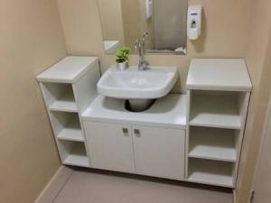 tu nhựa lavabo phòng tắm